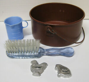 1950s Amsco Measuring Cup; 2 Cookie Cutters; Hanging Metal Pot; Nylon Hairbrush