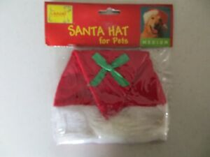 Casual Canine Santa Hat for Pets Sizes Medium measures 6in wide NEW