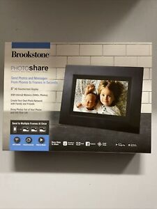 "Brookstone PhotoShare Friends and Family Cloud Frame 8"" Display FSM08BLB - H168"
