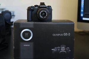 Olympus E-M1 OM-D 16 MP Digitalkamera - Schwarz