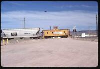 806N Kodachrome Slide UP Union Pacific Caboose 25418 On crossing 1980
