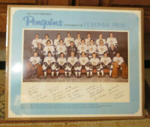 VINTAGE 1973-74 PITTSBURGH PENGUINS TEAM PHOTO POSTER WITH FAX AUTOS RARE