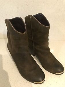 SUEDE ANKLE BOOTS SIZE 8- AS NEW! - SALE!!!