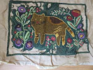 RUG HOOKING  UNFINISHED Vintge Folk Art Cat Wool Yarn 24 x 36 With Yarn Included