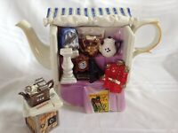 CARDEW NOVELTY COLLECTABLE LGE TEAPOT ANTIQUE MARKET STALL + SUGAR GD CONDITION