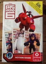 Grandes Héroes 6 jugando a las cartas juego