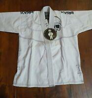 NWT KVRA Boys Karate Judo MMA BJJ Martial Arts Uniform White Size M3