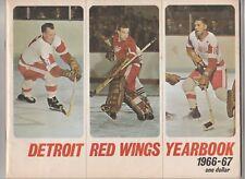 1966 67 Detroit Red Wings Yearbook Gordie Howe Paul Henderson Crozier Delvecchio