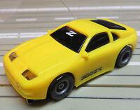 für Slotcar Racing Modellbahn -- Nissan 300ZX Z mit Tyco Chassis und Fahrlicht