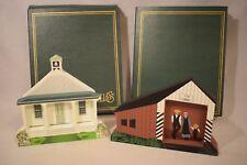 Shelia'S Amish School & Covered Bridge 2 Shelf Sitters Nib (d718)