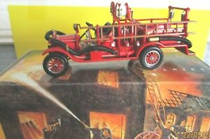 MODELS OF YESTERYEAR FIRE ENGINES YFE22 FORD MODEL T  FIRE ENGINE MINT