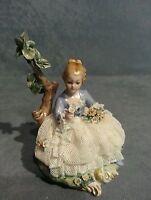 "Porcelana Capodimonte ""Hermosa señora joven en Miniatura"" Encaje de porcelana"