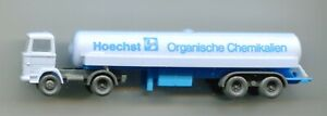 HOECHST chemical tanker lorry     by WIKING    N Gauge