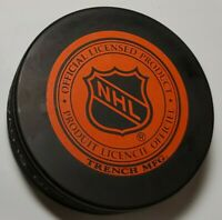 PITTSBURGH PENGUINS NHL VINTAGE OFFICIAL TRENCH MFG.+ VEGUM PUCK - SLOVAKIA