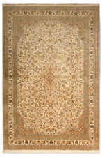 Tapis beige rectangulaire avec un motif Médaillon pour la maison