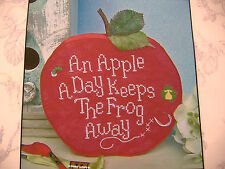 VINTAGE BLISS DESIGNS COUNTED CROSS STITCH KIT-AN APPLE A DAY-STAND UP