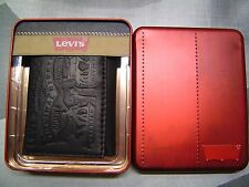 LEVI'S MEN'S EMBOSSED 2 HORSE LOGO COATED LEATHER TRIFOLD WALLET BLACK