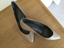 Topshop Ladies Leather shoes size 5 (38) In Beige.