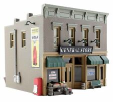 New Woodland N Structure Built-&-Ready Lubener's General Store BR4925