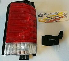 1991-95 Chrysler Town & Country~Plymouth Voyager Aftermarket RH Tail Light NOS