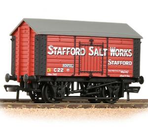 Bachmann 33-181A 10T Covered Salt Wagon 'Stafford salt Works' - '00' Gauge - T48