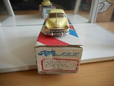 Record Kits Chevrolet 1952 in Yellow on 1:43 in Box