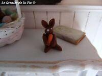 1 lapin en chocolat miniature décoration Pâques maison de poupées échelle 1:12