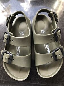 Kids Birkenstock Sandals Green Size 7