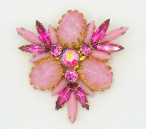 💥 Vintage So Pretty Pink Mottled Lucite Rhinestone Brooch Pin