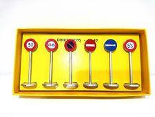 Panneaux de signalisation - DINKY TOYS VOITURE MINIATURE road sign - 40