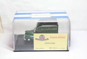 Oxford Diecast MM041 Morris Alexandre Van - Mint In Box Rare