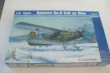 TRUMPETER Antonov AN-2 Colt sur skis 1:72 scale kit
