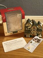 RARE RETIRED NIB Lemax 2004 Hobart House Plymouth Corners Village Lighted