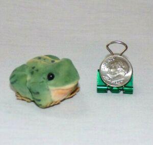 Miniature Amphibian Frog Toad Figurine Animal Paper Mache Green Bead Eyes Soft