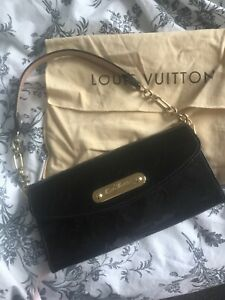 Louis Vuitton Vernis Handbag LV Monogram black Clutch