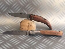 2 Couteaux de poche Corse Berger et Vendetta Corsica avec leur manche en bois .