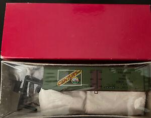 HO SCALE BRANCHLINE TRAINS -SCHNEIDER BEER 40'WOOD REEFER GREEN & RED 12705.