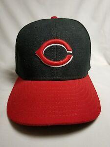 New Era Cincinnati Reds Heathered Black/Red, sz 7 1/8 hat Baseball