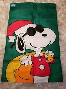 New vintage snoopy holiday outdoor large flag Christmas!