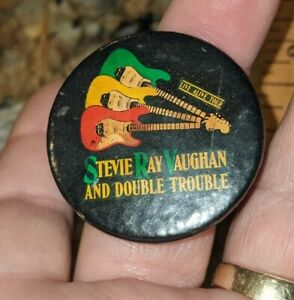 """1990 STEVIE RAY VAUGHAN & DOUBLE TROUBLE CELLULOID PINBACK BUTTON 1 1/2"""" CONCERT"""