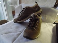 Merrell Dk Olive Suede with ivory fleece lining Kamori Chill Womens shoes Sz 7.5