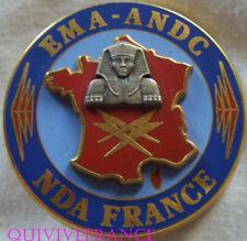 IN9579 - INSIGNE CHIFFRE E.M.A. A.N.D.C, N.D.A. FRANCE, fond bleu