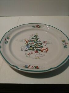 """INTERNATIONAL CHINA COUNTRY CHRISTMAS DINNER PLATE 10 3/4"""" Mint !!"""