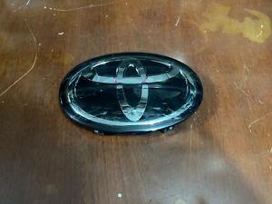 Toyota Corolla, Avalon, Highlander Rav4 Front Grill Emblem Logo Symbol Radar OEM