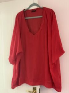 Red Slouchy Top Size 22