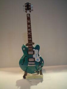Miniature Guitar (24cm Tall) : OASIS EPIPHONE SUPERNOVA