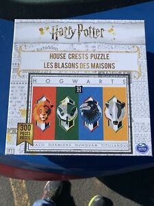 """Harry Potter House Crests 300 Large-Piece Jigsaw Puzzle (18""""× 24"""")"""