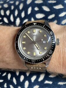 Oris Diver 65 Watch Silver Dial 42mm   Great Condition   Beautiful   Extra Strap