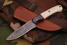 Damast  Messer, sehr schönes Hand geschmiedetes Damast Jagd Messer 556DL