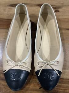 CHANEL Beige Leather Flats Size 41 CC Logo Classic Ballerina Cap Toe Shoes